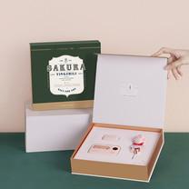 Gift Set Sakura แบตสำรอง และหูฟังบลูทูธ