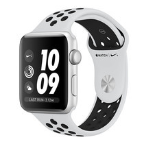 Apple Watch Nike+ (รุ่น GPS) ตัวเรือนอะลูมิเนียม สีเงิน พร้อมสาย Nike Sport Band สี Pure Platinum/Black 42 มม.