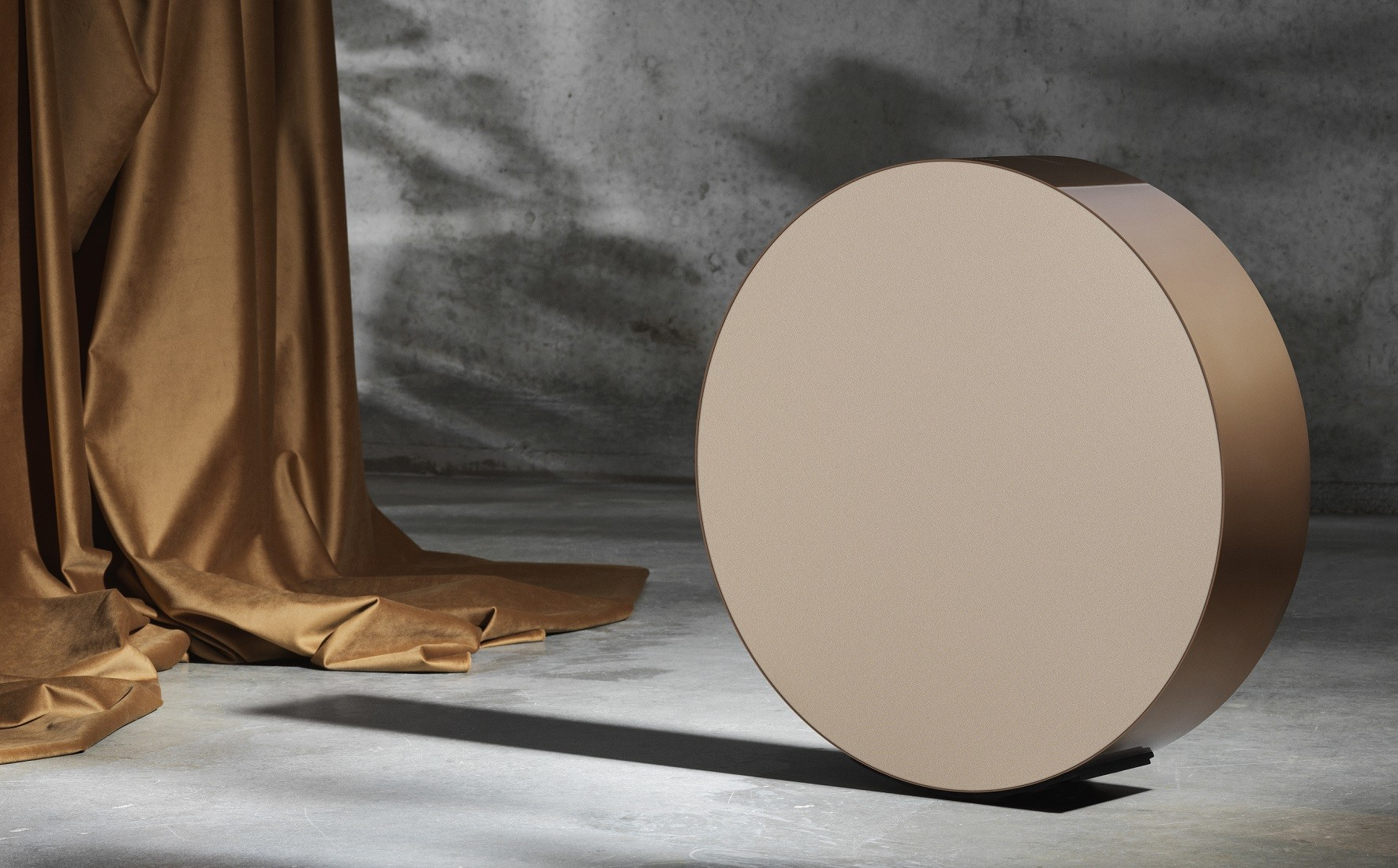 bang-olufsen-bronze-collection-edge-aed1
