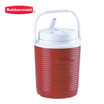 Rubbermaid กระติกน้ำทรงกลม Victory Cooler (1 แกลลอน/3.8 ลิตร) - สีแดง