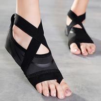 ถุงเท้าโยคะ พิลาทิส กันลื่น (สีดำลายเส้นดำ Size M) Half Toe Yoga Pilates Shoes Five-Toe Grip Non-Slip Socks