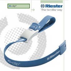 Riester สายรัดห้ามเลือด Tourniquets แบบผ้ามีตัวล็อค สีฟ้า ยี่ห้อ Riester รุ่น Ri-Clip (สีฟ้า)
