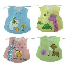 กันเปื้อนสำหรับเด็ก กันน้ำ ลายการ์ตูน Baby Bib (มีสีให้เลือก)