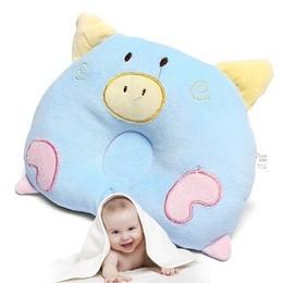 หมอนนอนเด็ก หมอน หัวทุย Baby Pillow Prevent Flat Head ดีไซน์ หมู ( สีฟ้า )