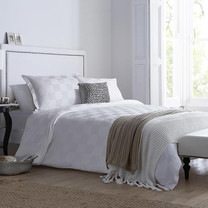 Synda ชุดเครื่องนอน Hotel Collection (WHITE SQUARE-L) Size 6ฟุต 4 ชิ้น