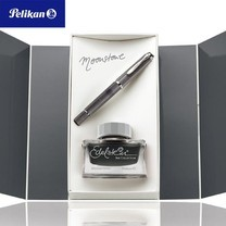 Pelikan Gift Box Set ปากกาหมึกซึม M205 Moonstone + Edelstein Ink Fine (F)