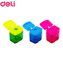 Deli 0574 กบเหลาดินสอทรงสี่เหลี่ยม (คละสี 1 ชิ้น)