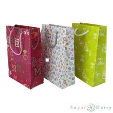 Sugar Daisy ถุงของขวัญพิมพ์ลาย 17 x 24 ซม.คละลาย คละสี (แพ็ก 3 ชิ้น)