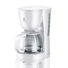 Electrolux เครื่องทำกาแฟ รุ่น ECM 1303W สีขาว