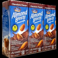 อัลมอนด์บรีซ นมUHT รสช็อคโกแลต 180 มิลลิลิตร แพ็ก 3