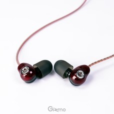 Gizmo หูฟังสมอลทอร์ค หูฟังโทรศัพท์ อินเอียร์ รุ่น Red Bean (GS-003)