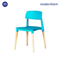Modernform เก้าอี้เอนกประสงค์ เก้าอี้สัมมนา รุ่น PW018 สีฟ้า เก้าอี้พลาสติก ขาไม้จริง