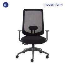 Modernform เก้าอี้สำนักงาน รุ่น Series16 Value พนักพิงกลางตาข่ายดำเท้า แขนปรับได้ เบาะหุ้มผ้าสีดำ