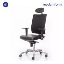 Modernform เก้าอี้สำนักงาน รุ่น PI พนักพิงสูง ขาอะลูมิเนียมปัดเงา หุ้มด้วยหนังแท้ พนักหุ้มผ้าตาข่ายดำ