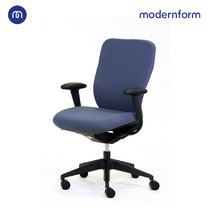 """Modernform เก้าอี้สำนักงาน รุ่น C Prao พนักพิงกลาลง เบาะหุ้มผ้าสีดำ พนักพิงหุ้มผ้าสีเทา"