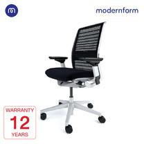 Modernform เก้าอี้ Steelcase ergonomic รุ่น Think v2 Platinum พนักพิงกลาง สีดำ ปรันเอนได้ 4 ระดับ เก้าอี้เพื่อสุขภาพ