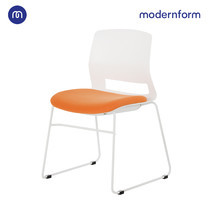 Modernform เก้าอี้สัมมนา เก้าอี้อเนกประสงค์ รุ่น  ESN ขาU สีขาว เฟรมพลาสติกสีขาว เบาะหุ้มผ้าสีส้ม