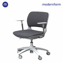 Modernform เก้าอี้เอนกประสงค์ รุ่น B-One (S3) พลาสติก เฟรมขาว ขาเหล็กพาวเดอร์โค้ท เบาะผ้าสีเทา