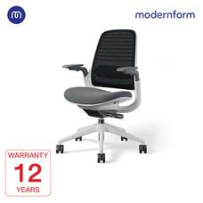 Modernform เก้าอี้ Steelcase ergonomic รุ่น Series1 พนักพิงกลาง สีดำ เบาะสีเทา  หุ้มด้วยผ้าตาข่ายไมโครนิต เก้าอี้เพื่อสุขภาพ