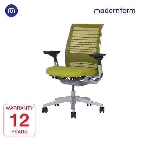 Modernform เก้าอี้ Steelcase ergonomic รุ่น Think v2 Platinum พนักพิงกลาง สีเขียว ปรันเอนได้ 4 ระดับ เก้าอี้เพื่อสุขภาพ