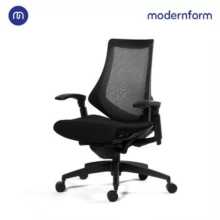 Modernform เก้าอี้สำนักงาน รุ่น FG พนักพิงกลาง เบาะหุ้มด้วยผ้าสีดำสัมผัสเนี้ยบ หุ้มผ้าตาข่ายสีดำ