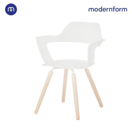 Modernform เก้าอี้เอนกประสงค์ รุ่น Muse สีขาว ทำให้ห้องสัมมนาดูกว้างไม่อึดอัดอีกต่อไป