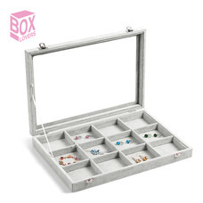 Boxlovershop กล่องใส่เครื่องประดับกำมะหยี่ 12 ช่อง รุ่น AG-005