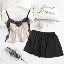 Wolfox ชุดนอนผ้าซาติน รุ่น Cami Lace Short Pants สีชมพู/ดำ
