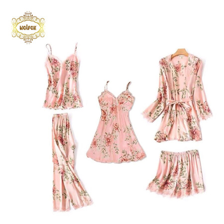 Wolfox เซ็ตชุดนอนผ้าซาติน 5 ชิ้น รุ่น Blossom สีชมพู