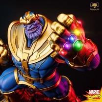 Model Thanos Triumph